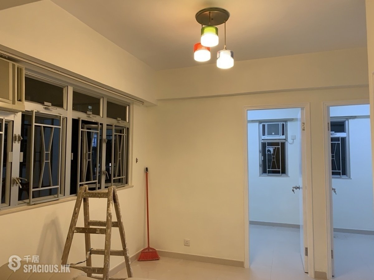 Property For Sale or Rent in Wealthy Mansion 銳興樓, Wan